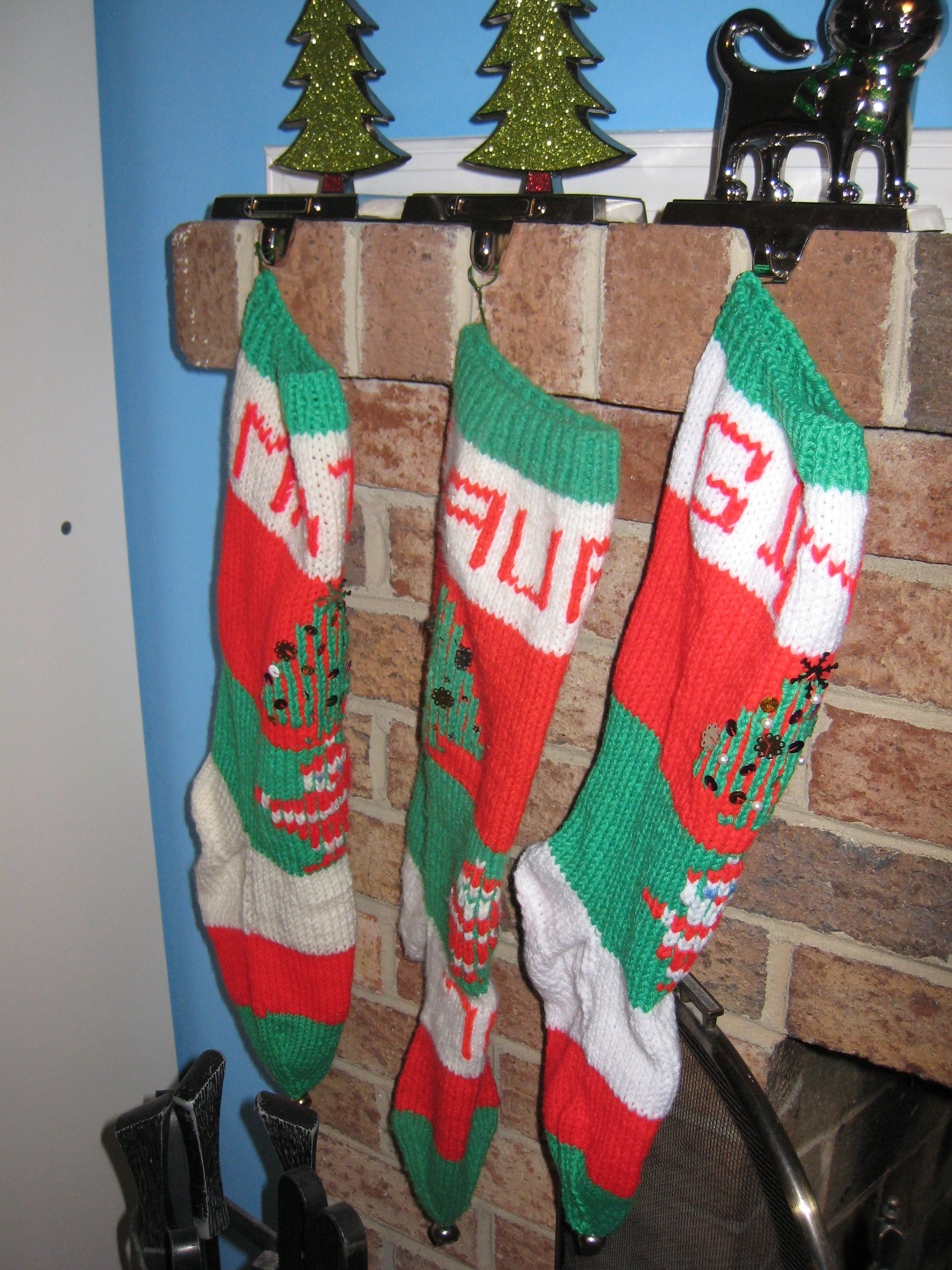 Knit Christmas Stockings Patterns : KNITTED CHRISTMAS STOCKING PATTERNS   Free Patterns